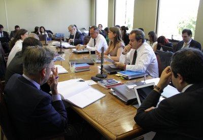 Comisión de Educación del Senado aprueba por unanimidad proyecto de Carrera Docente