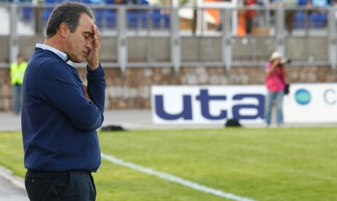 Otro dolor de cabeza para la U: internado el técnico Martín Lasarte
