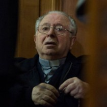 Arzobispado de Santiago abre investigación por denuncias en contra de cura favorito de Karadima