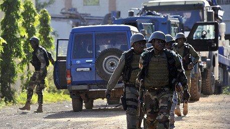 Liberan a 80 rehenes del hotel de Mali en medio de disparos de asaltantes