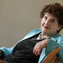 Diálogo con la ensayista y escritora mexicana Margo Glantz en auditorio del Instituto de Estudios Avanzados USACH, 7 de diciembre