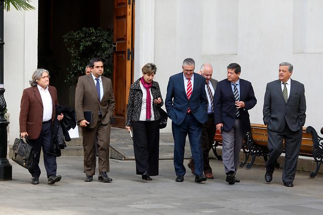 """""""Pequeñas delicias de la vida"""" política nacional: de la CERC, MEO y la elite concertacionista"""