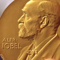 Fondo de salud rinde 21% anual desde 2009 con asesoría de seleccionadores de Premio Nobel