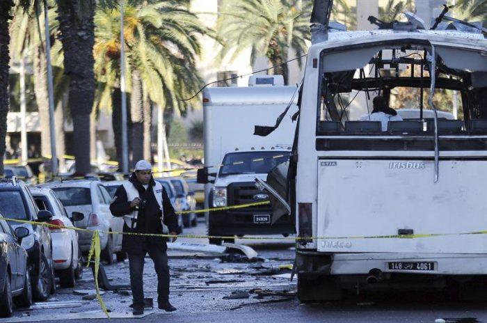 Célula vinculada al Estado Islámico se atribuye sangriento atentado en Túnez