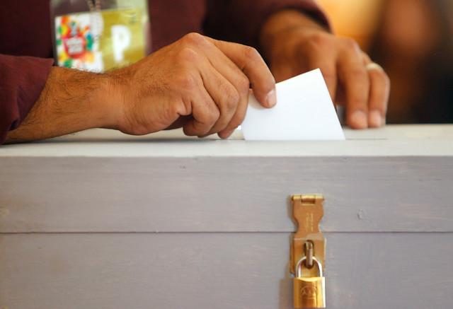 Chilenos en el extranjero impulsan iniciativa para  sumarse a la consulta ciudadana de este domingo