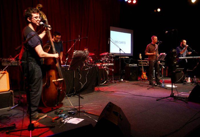"""Banda musical de poetas chilenos lanza """"Declaración de Principios"""", su primer disco"""
