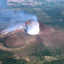 El Volcán Momotombo presenta 18 sismos de hasta magnitud 3 en Nicaragua