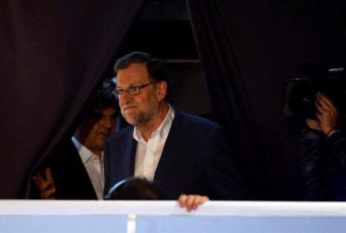 Bolsa española se desploma un 3,62% ante incertidumbre que dejan resultados de elecciones en la península