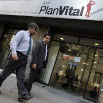 """Planvital desafía duramente a Super de Pensiones, evalúa acciones legales y dice que autoridad """"daña la institucionalidad del país"""""""