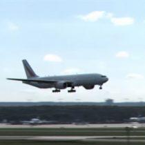 [Video] La mejor manera de aterrizar: avión que se transforma es furor en la red