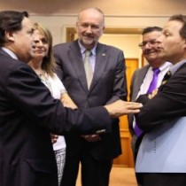 Senadores piden establecer mecanismos de control democrático del gasto militar