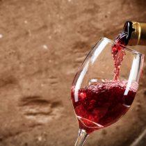 Reportaje Bloomberg: Cambio climático podría hacer que los costos y lo precios de los vinos chilenos se disparen