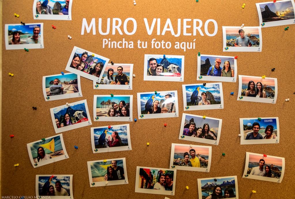El muro viajero, donde los asistentes pusieron fotos en distintos destinos del mundo.