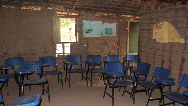 Hace años que prometen mejorar la escuela pero hasta ahora nadie ha cumplido.