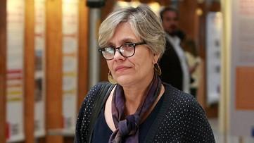 Lorena Fries aclara que no es partidaria de indultar a violadores de DD.HH.