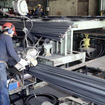 Viento de cola para Piñera ya se siente: sector manufacturero crece al doble de lo esperado