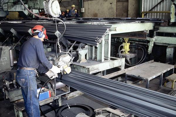 Producción industrial decepcionó aunque minería sigue su repunte