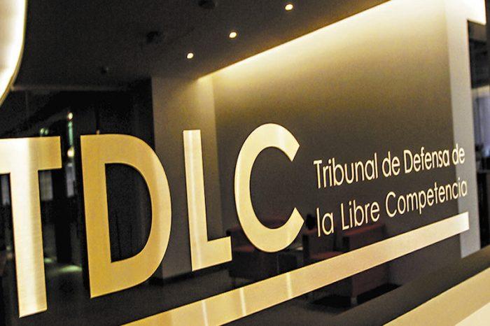 TDLC manda señal a LATAM: acuerdos de alianza con Iberia, British Airways y American van a ser analizados como si fueran fusión