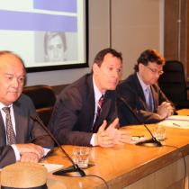 Grupo de Política Monetaria de la U. de Chile mantiene cautela y recomienda al Banco Central mantener la tasa en su reunión de mañana