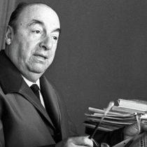 Comisión de la Cámara da la luz verde para cambiar nombre al Aeropuerto de Santiago por Pablo Neruda