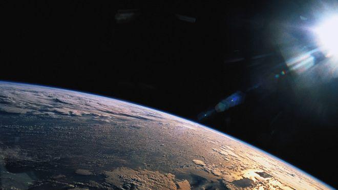 El Universo está repleto de ondas gravitacionales, según Einstein.