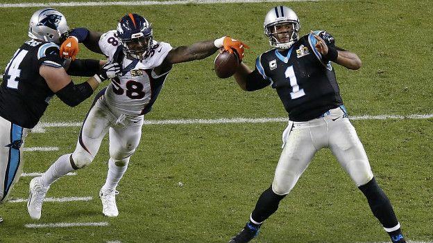 Las cosas no cambiaron mucho en el segundo tiempo: la defensa de Denver siguió imponiéndose y una nueva pérdida de balón de Newton permitió su segundo touchdown.
