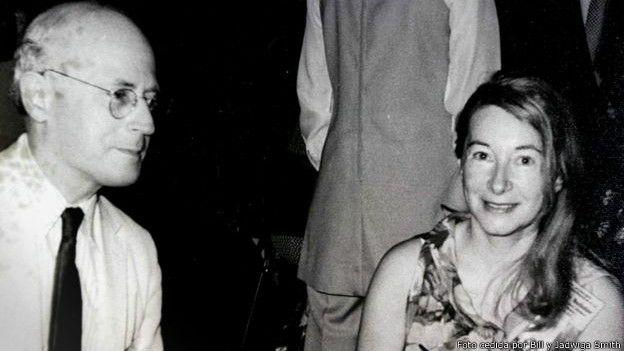 El esposo de Anna-Teresa Tymieniecka (derecha) era Hendrik Houthakker (izquierda), un distinguido economista de Harvard al que el Papa otorgó el título de caballero papal.