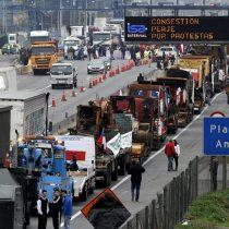 Camioneros comienzan paro contra altos peajes de concesionarias: