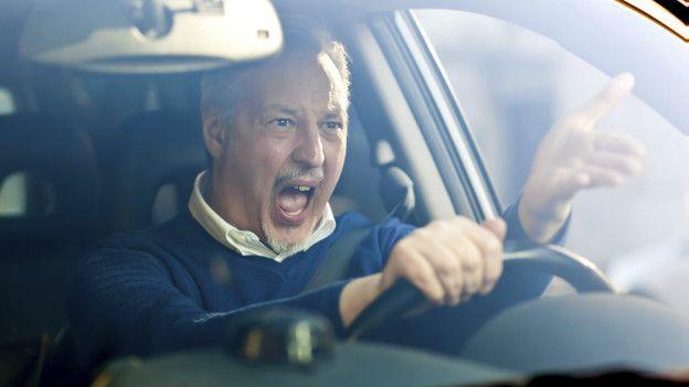 Manejar un auto es algo ajeno a nuestros circuitos cerebrales, en términos evolutivos.