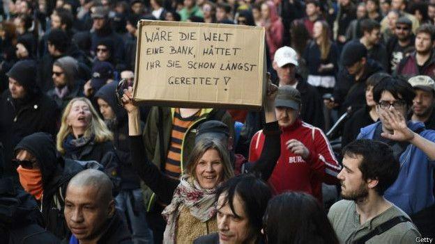 Los países que implementaron políticas de austeridad se encontraron con protestas como éstas.