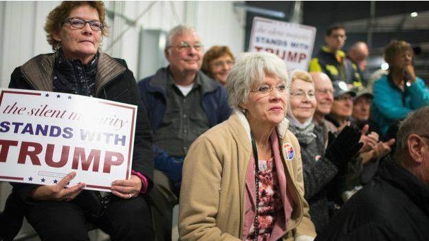 Trump encabeza las encuestas nacionales en el partido Republicano.