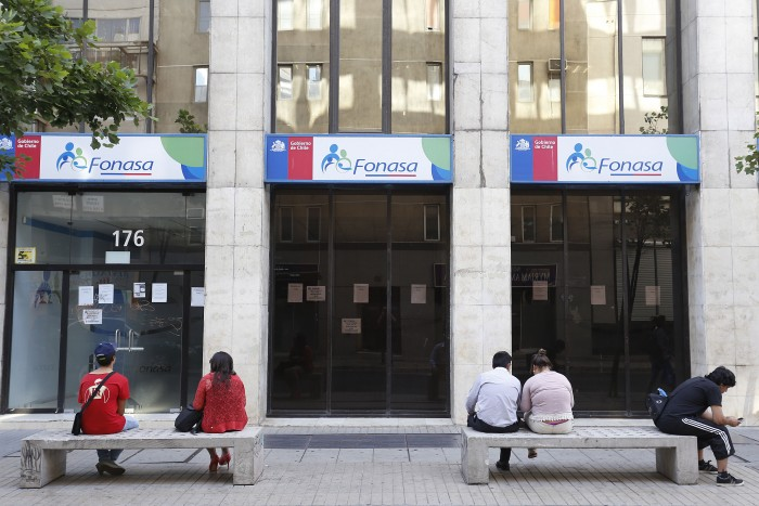 Director de Fonasa asegura que reforma del Gobierno no contempla aumento en la cotización