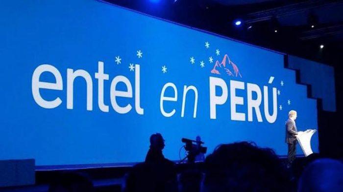 Víctima de la portabilidad numérica, Entel mira desesperadamente a Perú para crecer