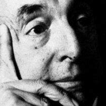 Juez ordena devolución de restos de Pablo Neruda a su tumba en Isla Negra