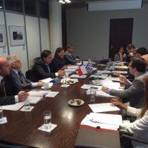 Chile y Uruguay inician negociación para un Tratado de Libre Comercio