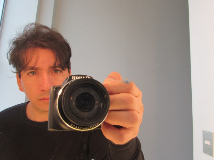 """Alex Mellado, el artista de """"la vorágine del olvido"""""""