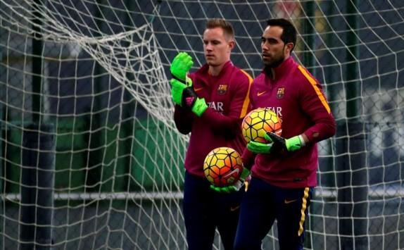 Barcelona espera que Claudio Bravo pida salir del equipo al regreso de sus vacaciones