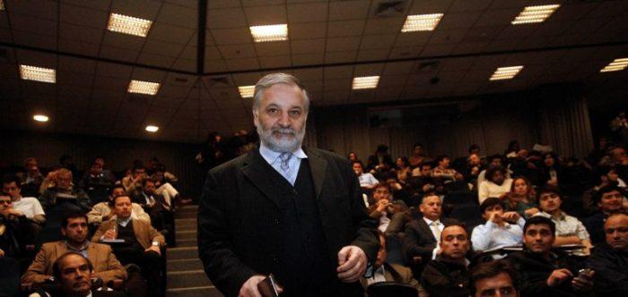 """Bitrán es el único funcionario de gobierno que sale a enfrentar a Ponce Lerou: """"No estoy disponible para ninguna negociación con sus intermediarios o lobbystas"""""""