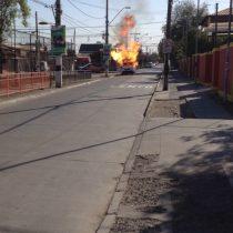 [Video] Camión repartidor de gas se incendia al lado de un colegio en Maipú