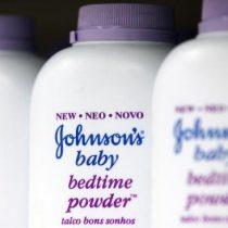 Condenan a Johnson & Johnson a pagar millonaria indemnización a familia de mujer que murió de cáncer