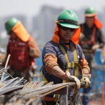 Sueldos de los chilenos muestran alza en julio pero son más bajos que hace un año