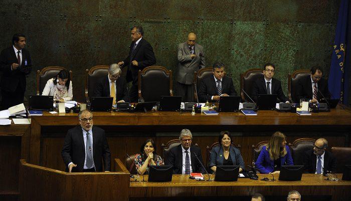 Osvaldo Andrade dando su primer discurso como presidente de la Cámara Baja.
