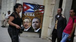 Las calles de La Habana están adornadas con afiches con la cara del presidente de EE.UU., Barack Obama.