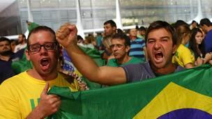 Manifestantes frente al palacio presidencial en Brasilia este miércoles.