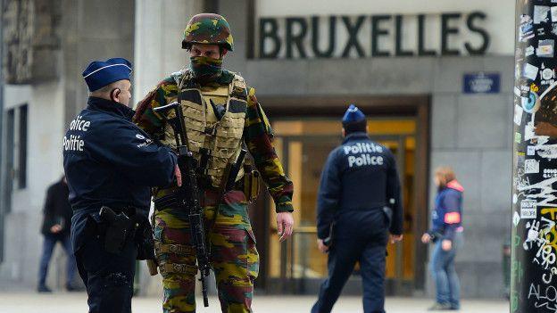 Los militares han tenido una presencia más visible en algunas ciudades de Bélgica desde noviembre.