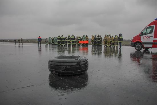 Avión de FlyDubai se estrella cuando iba a dar otra vuelta sobre el aeropuerto en Rusia