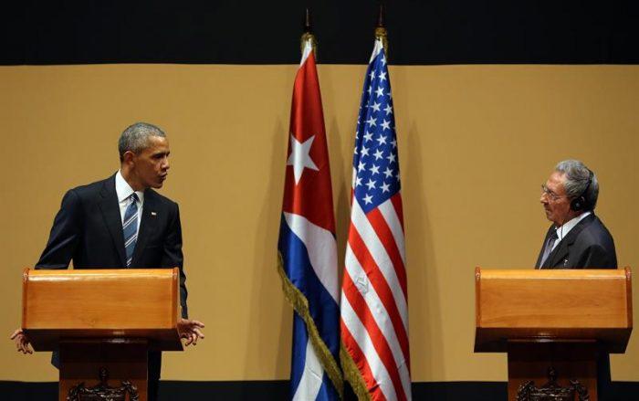 Obama se reúne con Raúl Castro y asegura que
