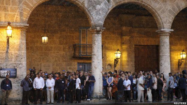 Se suponía que en el tour Obama iba a interactuar con cubanos en las calles, pero esta parte del itinerario se vio afectado por una tormenta tropical.