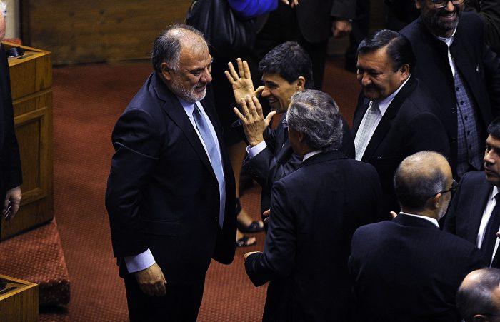 Andrade junto al ministro vocero de gobierno, Marcelo Díaz, el diputado DC Mario Venegas y el ministro de Hacienda Rodrigo Valdés.