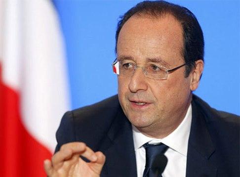 Hollande llama a